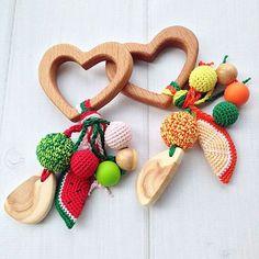 Развивающие игрушки ручной работы. Ярмарка Мастеров - ручная работа. Купить Фруктовый грызунок - погремушка Сердечко с подвесками из разных бусин. Handmade.