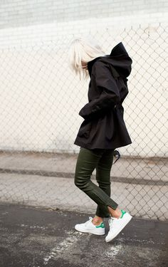 The Street Style: Photo Sam Smith, Sport Fashion, Womens Fashion, Adidas Shoes Outlet, Nike Shoes, Dress Up, Stan Smith Sneakers, Fashion Over, Super Skinny