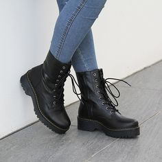 Botas Grunge, Gothic Pants, Combat Boots, Super Cute, My Style, Outfits, Clothes, Shoes, Minimalist