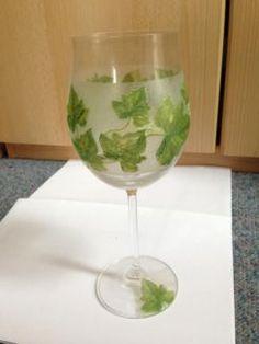 Glas, Weinglas,verziert mit Weinranken, Unikat, Serviettentechnik   eBay Kleinanzeigen mobil