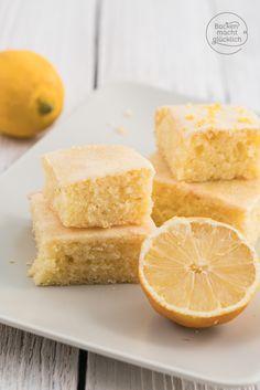 Zitronen-Kuchen-Rezept vom Blech: extrem einfach, saftig und fluffig, hält sich gut frisch