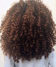 Natural Hair Growth Tips While general rules may apply to all types of curly hair, natural hair has its unique texture and requires specific hair care. Read on our hair guide. Natural Hair Growth Tips, 3c Natural Hair, Natural Hair Styles, Natural Oils, My Hairstyle, Cool Hairstyles, 3c Hair, Frizzy Hair, Wavy Hair