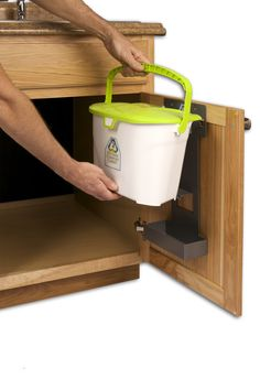 Exceptionnel Kitchen Compost Caddy Under Sink Compost System With Storage For Compost  Bags