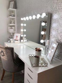 Beauty Room Decor, Makeup Room Decor, Teen Room Decor, Room Design Bedroom, Room Ideas Bedroom, Bedroom Decor, Dressing Room Decor, Dressing Room Design, Pinterest Room Decor