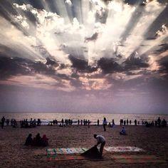 #juhubeach #mumbaicity #relaxation #sky #clouds #light #placestosee