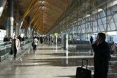 10 Proven Must-Have Things for Business Travelers