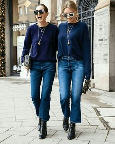 Do your cropped jeans fit you properly? From flare to high waisted, there are so many styles of cropped jeans to choose from to build a capsule wardrobe Cropped Jeans Outfit, Flare Jeans Outfit, Jeans Outfit Winter, Crop Jeans, Crop Flare Jeans, Blue Jeans, Jeans Denim, Mode Outfits, Jean Outfits
