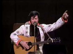 Andy Kaufman Does Elvis Presley.   L'unico imitatore che Elvis amasse.