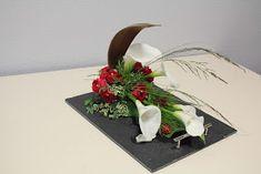 matériel: Une petite coque de palmier, u ne ardoise environ 25 cm x 18 cm avec 1/ 3 de pain d'oasis bien trempé, une grande feuille d'aru...