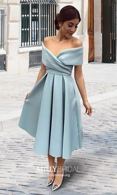 Shop A-line Off-the-shoulder Satin Tea-length Ruffles Vintage Prom Dresses at FansFavs. Discover more Homecoming Dresses online to fit your fashionable needs. Elegant Dresses Classy, Stylish Dresses For Girls, Classy Dress, Navy Prom Dresses, Evening Dresses, Bridesmaid Dresses, Plus Size Party Dresses, Vintage Prom, The Dress