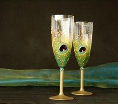 Pavone vetri Champagne flauti, matrimonio occhiali, Peacock Wedding, matrimonio indiano, mano dipinta, Set di 2