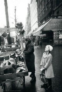"""""""Charlot"""", Paris circa 1950 (Robert Frank)"""