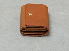 イタリアンレザーで作ったミニマルでコンパクトな財布「革鞄のHERZ(ヘルツ)公式通販」