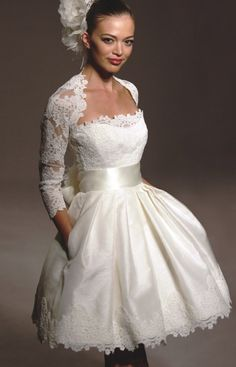 short wedding dresses with sleeves...but I like it without...