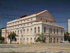 A iniciativa faz parte do Projeto de Educação Patrimonial Conhecendo o Teatro de Santa Isabel e tem por objetivo aproximar o público da história e da valorização do Teatro