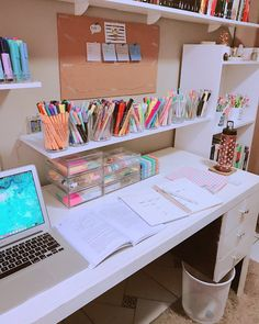 Study Room Design, Study Room Decor, Room Design Bedroom, Room Ideas Bedroom, Home Room Design, Bedroom Decor, Study Desk Organization, Desk Inspiration, Aesthetic Room Decor