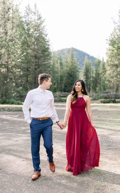 Engagement Photo Dress, Engagement Outfits, Engagement Photo Inspiration, Engagement Pictures, Engagement Session, Wedding Inspiration, Picture Outfits, How To Pose, Romantic Photos