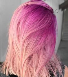 Beautiful hot pink hair color ideas to makes you looks stunning 19