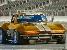 Corvette Photos serie 3 – Picture of Corvette : Chevrolet Stingray, Chevrolet Corvette, Corvette C2, Custom Muscle Cars, Chevy Muscle Cars, Custom Cars, Us Cars, Sport Cars, Race Cars