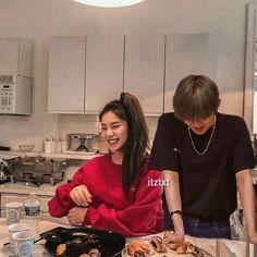 Parejas Goals Tumblr, Jung Chaeyeon, Kpop Couples, Wattpad Stories, Korean Couple, Ulzzang Couple, K Idol, Face Claims, Jaehyun