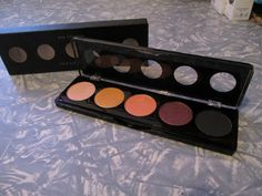 Starlooks St. Tropez (5es6) 5 Color Palette. The middle color was swatched, otherwise Brand New in box. $12 shipped.