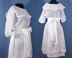Edwardian White Cotton Batiste Tea Gown. Love the collar