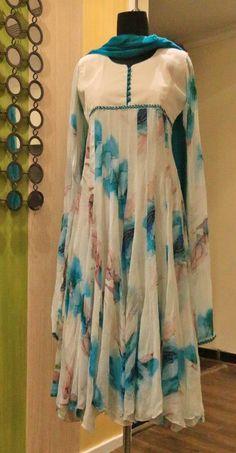 Best 12 Kurti designs for stitch – Page 133700682673498425 – SkillOfKing. Kurta Designs Women, Salwar Designs, Kurti Neck Designs, Blouse Designs, Stylish Dresses, Simple Dresses, Beautiful Dresses, Casual Dresses, Casual Wear