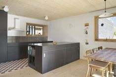 Küche Kitchen Island, Home Decor, Island Kitchen, Decoration Home, Room Decor, Home Interior Design, Home Decoration, Interior Design
