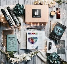 Did you see that @_iceydesigns announced the theme for their February box???? Its the world of Marie Lu!!!! Everything in the box will be themed around books written by @marieluthewriter and I know its going to be so epic!!! . All the merchandise included in the pic is from #iceydesigns and it will give you an idea what might be included in the February box!!! If your interested in getting a box use code DFT10 to get a discount!!!