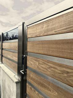 Design Intermezzo og Symphony. Forefence-port med kodelås, og rekkverk med sotet glass. photo YM - Ylva Meltvedt www.forefence.com