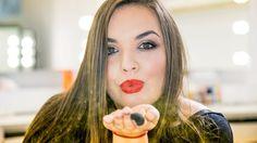 SWiCh w 60 sekund to seria filmów, w których występują nasze Słuchaczki i w przyspieszonym tempie pokazują swoje makijaże. || W pierwszym odcinku makijaż świąteczny w wykonaniu Kingi Buśko. Listę kosmetyków znajdziecie na stronie: http://www.akademiawizazu.edu.pl/galerie/404/makijaz-swiateczny-swich-w-60-sekund  #makeup #akademia_SWiCh #SWiCh #szkołamakijażu #makeupschool #60seconds #szkoławizażu #wizaż #visage  #makijażświąteczny #święta