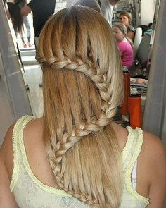 Hair styles, Hi, Just follow my board ◤hair and beauty◢ www.pinterest.com/ishowdress/hāir-běaυty for more pretty hair styles, and i will follow you back.