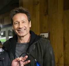 The Awesome David Duchovny! David And Gillian, Tasty Snacks, Dana Scully, David Duchovny, Great Smiles, Gillian Anderson, Lost Girl, Nerdy Things, Heart Eyes