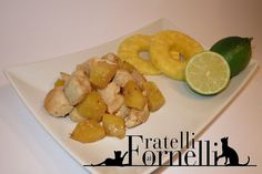 Small #chicken's cubes with #pineapple and #lime juice , a second course to stay #light without sacrificing taste - Fratelli ai Fornelli