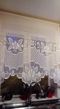 Crochet Flower Patterns, Crochet Designs, Crochet Flowers, Fillet Crochet, Crochet Curtains, Home Curtains, Afghan Patterns, Projects To Try, Lace