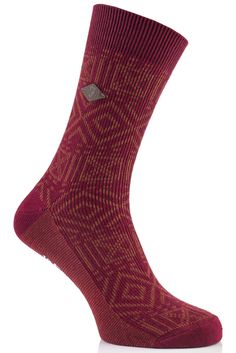 Save 25% - Was £10.00 - Now £7.50  These Farah 1920 Squares and Diamonds Cotton Socks feature a distinctive diamond and cross design in two contrasting colours.
