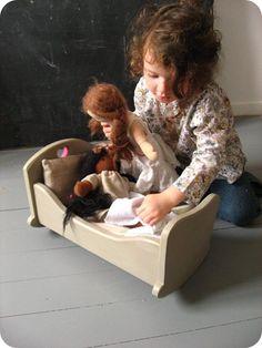 Baby crib from Nils & Happy