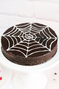 * magnoliaelectric, hecookssheshoots, halloween, spinnennetz, spider web cake, zombie cake, mörderische dinnerparty, krimidinner, halloween cakes, dessert