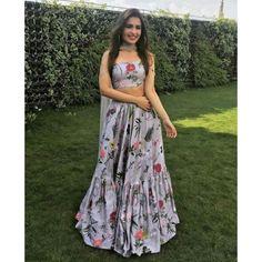 Indian Pakistani designer bridal lehenga choli bollywood for sale online Lehenga Choli Designs, Lengha Design, Designer Bridal Lehenga, Bollywood Lehenga, Bollywood Fashion, Bollywood Style, Indian Wedding Outfits, Indian Outfits, Ethnic Wedding