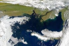 Arctic Ocean releasing large volumes of methane - Researchers from Norway and Russia have found significant amount of the greenhouse gas methane is leaking from an area of the Arctic seabed off the northern coast of Siberia. According to the team's report in the Journal of Geophysical Research: Biogeosciences, the melting of permafrost on the seafloor of the Kara Sea is releasing previously-sequestered methane. | via redOrbit.com