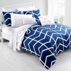 Add a brilliant dimension to your bedroom with the comfortable Capri Comforter Set from VCNY. The geometric, chevron design of this polyester set is a cozy, fabulous addition that comes with a comforter and pillow shams. College Bedding Sets, College Comforter, Bedding Sets Online, King Bedding Sets, Luxury Bedding Sets, Blue Bedding, Comforter Sets, Dorm Comforters, Dorm Bedding