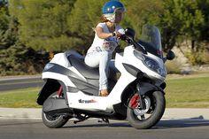 ак выбрать скутер?  Такое транспортное средство, как скутер , становится для многих идеальным средством передвижения. http://opt.expert/articles/kak_vybrat_skuter  #optexpert #оптэксперт #вебмаркет #всепродается и #всепокупается