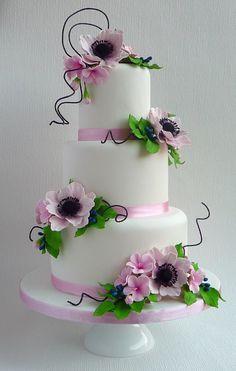 Gorgeous Wedding Cake Fresh Flowers Combo You Will Love – Bridezilla Flowers Wedding Cake Fresh Flowers, Cool Wedding Cakes, Elegant Wedding Cakes, Pretty Cakes, Beautiful Cakes, Amazing Cakes, Fondant Cakes, Cupcake Cakes, Cupcakes