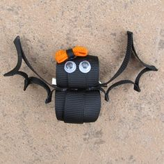 Bat hairbow idea...just to stinking cute!!!