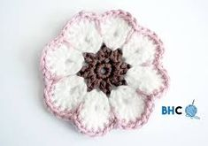 ABBREVIATIONS: Chain (ch) Single Crochet (sc) Double Crochet (dc) Slip Stitch (slst) PATTERN NOTES: African flowers are the perfect foundation for a hexagon motif. Crochet Birds, Crochet Food, Crochet Bear, Crochet Afgans, Crochet Blankets, Crochet Animals, Free Crochet, Quick Crochet Patterns, Crochet Flower Patterns