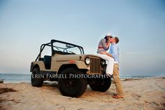 Cute Couple Old Jeep Beach So Fun