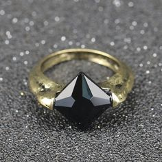 Lord Voldemort's Horcrux Ring The Resurrection Stone Marvolo Gaunt Vintage Deathly Hallows Dumbledore Black Crystal Wholesale