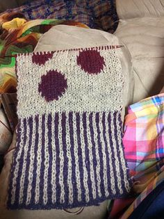 Ravelry: cammyd is working on her Bubbles Scarf!