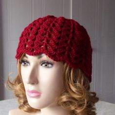 This shell beanie is an easy crochet pattern for beginners. The stitches are easy and the beanie works up fast.   free crochet pattern