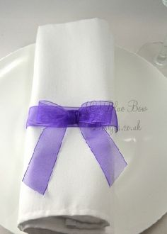 dark-purple-pre-tied-bow-organza-napkin-ring-1.jpg (286×400)